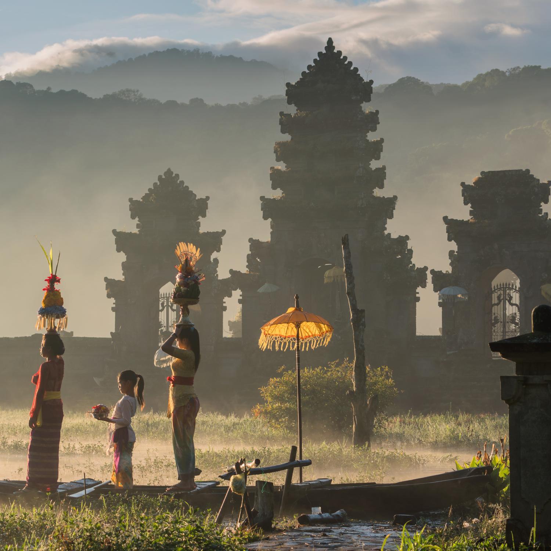 Séjour Indonésie en amoureux .L'île des dieux Bali est une destination prisée pour vivre un voyage de noce ou un séjour d'exception en amoureux.